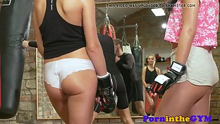 Fitness babe pussylicked sixtynine standing up
