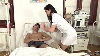 Kittina Ivory is a horny nurse curious about a fat boner
