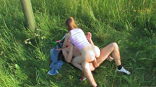 Brutal teenagers analhole outdoor sex