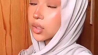 UK Hijabi Slut University