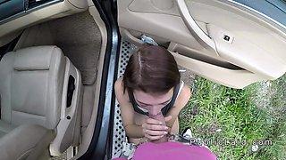 Petite teen hitchhiker bangs stranger in car