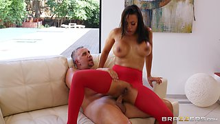 Luna Star wants to feel dude's sperm on her face after a blowjob