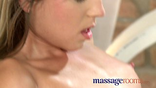 Big orgasms from expert pussy licking technique