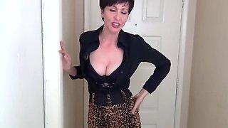 Mrs Mischief - Next Door Cougar Blowjob
