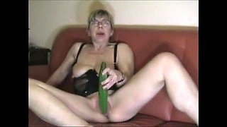 Mature cock in ass and squirt