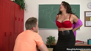 Luscious mature Leena Sky gets seduced by young student