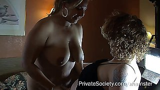 two swinger couples in a motelroom, very sexy (Amateur)