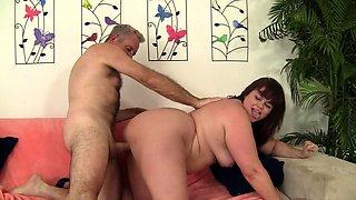 Amateur girlfriend home blowjob anal and facial cumshot