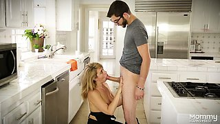 Spoiled stepsister Stevie Lix gives a blowjob to her stepbrother