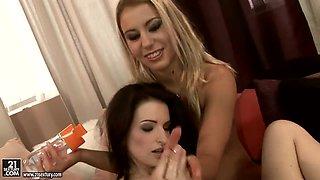 Nikky Thorne enjoys a dildo inside her