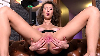 Nasty czech kitten stretches her slim slit to the biz27sBd