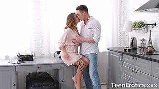Hot Stuff Jenny Manson and Her Boyfriend Have Sex in the Kitchen