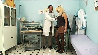The woman seduce doctor in clinic 1 - More On HDMilfCam com