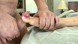 Gorgeous Cindy has a feet fetish and a lust for pounding