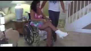 Son helps mom with broken foot
