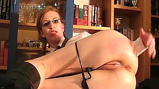 Secretary gets analized and jizzed on Glasses