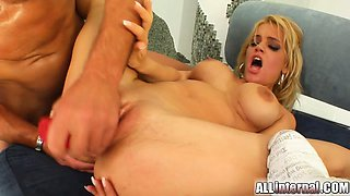Two absolutely amazing blondes make their way to