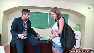 Book warm Presley Hart gives a head to her school teacher