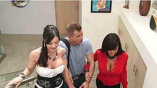 Legendary hookers Kendra Lust and Lisa Ann seducing one lucky guy