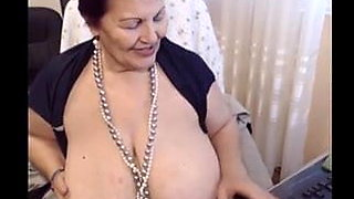 Beautiful Mature BBW Masturbating