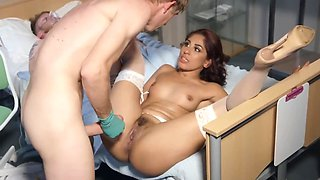 Lustful doctor and nurse forget about all rules and have sex