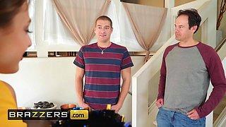 Brazzers - Teens like it BIG - Gia Derza Xander Corvus - Cheeky Cheerleader