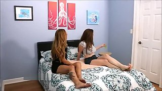 Hot Drunk Girls Play w/ their Bellybuttons