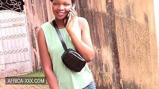 Amateur black girl invites stranger for a round