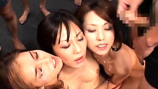 Slutty Japanese girls sharing their love for fresh semen