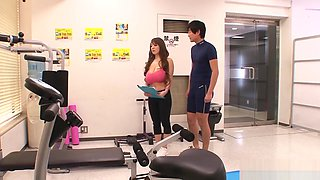 Cute Busty Japanese Girl At The Gym - Plays With Huge Boobs HITOMI MIDD-879